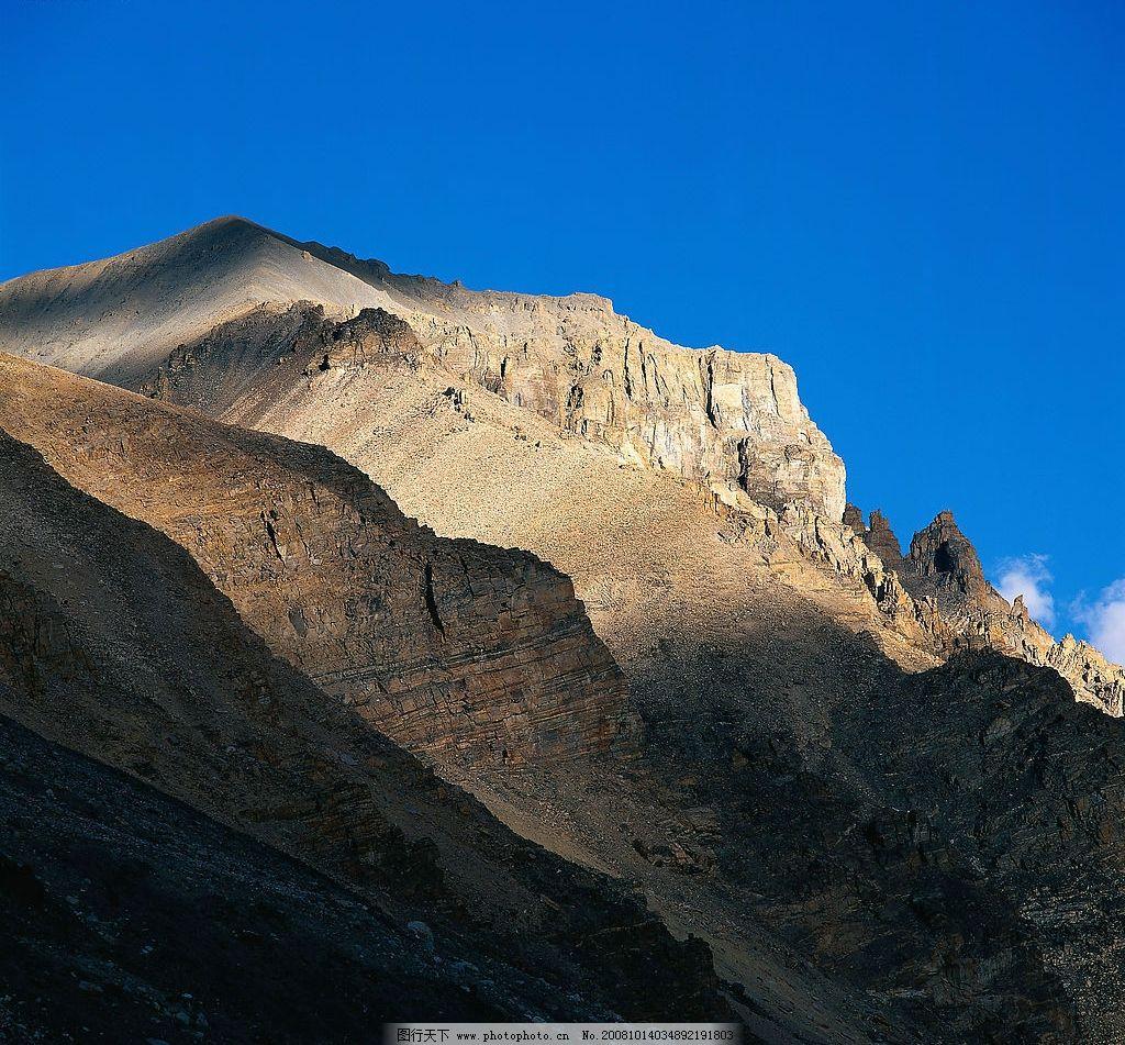 荒山 光秃秃 石头 阳光 蓝天 白云 阴影 自然景观 自然风景