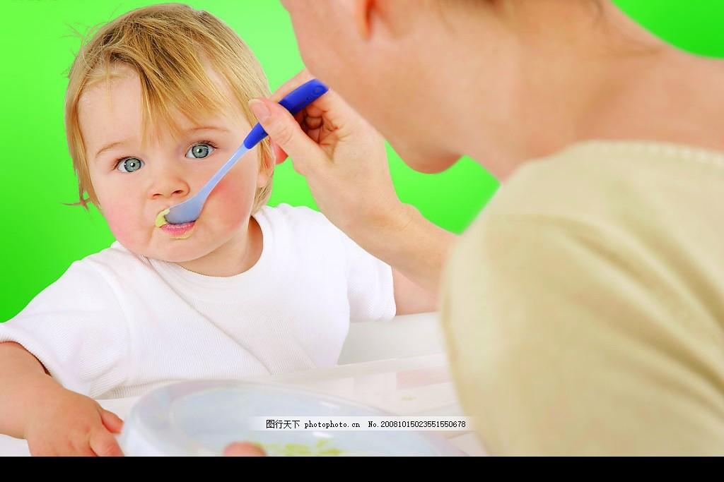 宝宝饮食 可爱婴儿 宝宝辅食 妈妈喂 婴儿米粉 广告图 人物图库 儿童