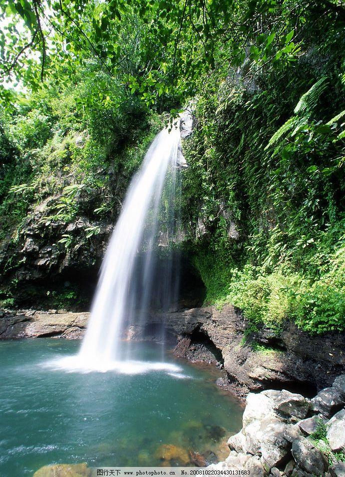 山林中的瀑布 森林 水流 自然景观 山水风景 摄影图库