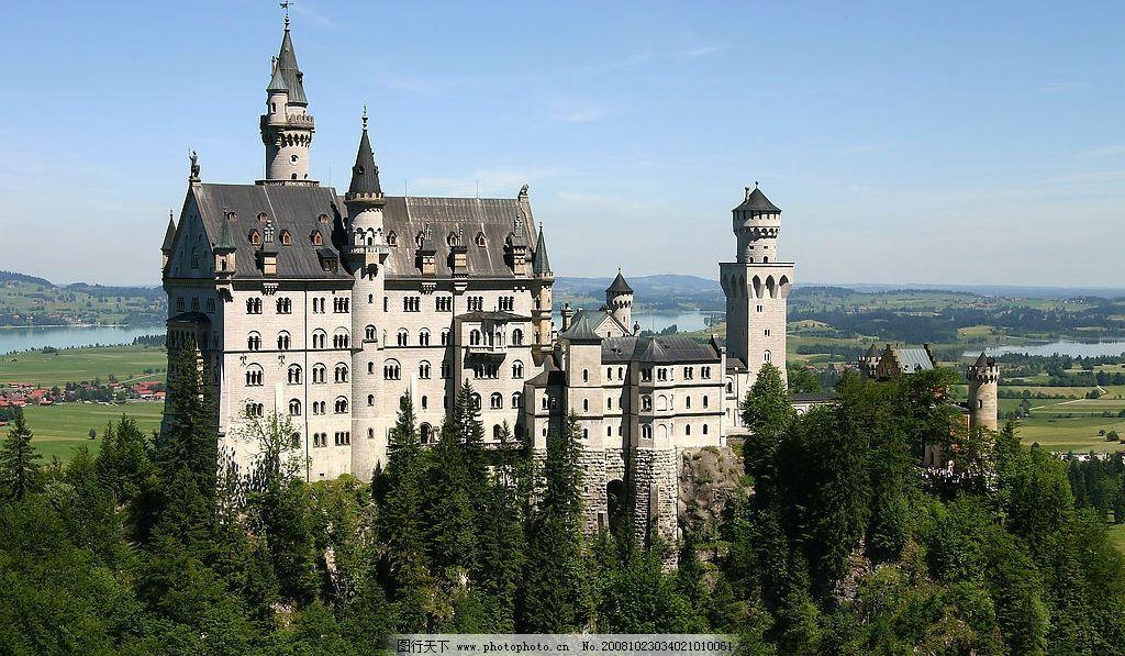 外国城堡 城堡 外国建筑 古建筑 旅游 田园 庄园 绿草地 河水 别墅