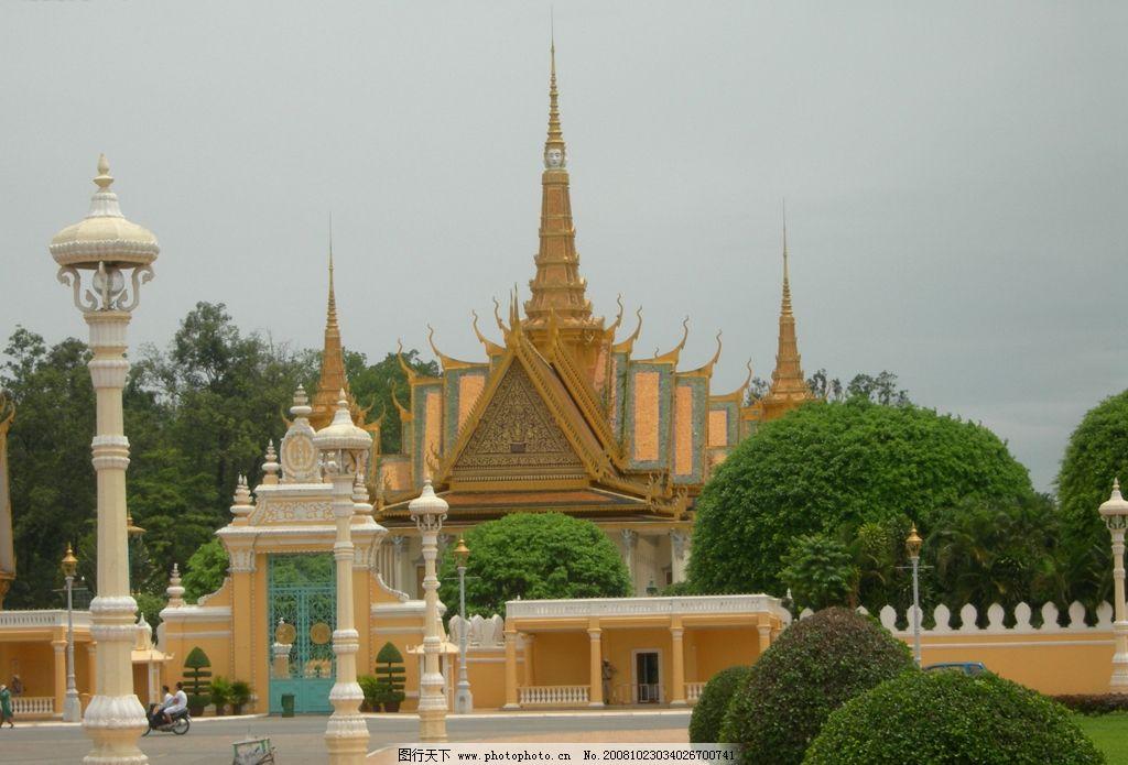 柬埔寨旅游风景高清摄影图片 柬埔寨 蓝天 湖水 塔 自然景观 建筑景观 摄影图库 旅游摄影 人文景观 柬埔寨的人物 国外旅游 旅游拍摄图片 100DPI JPG