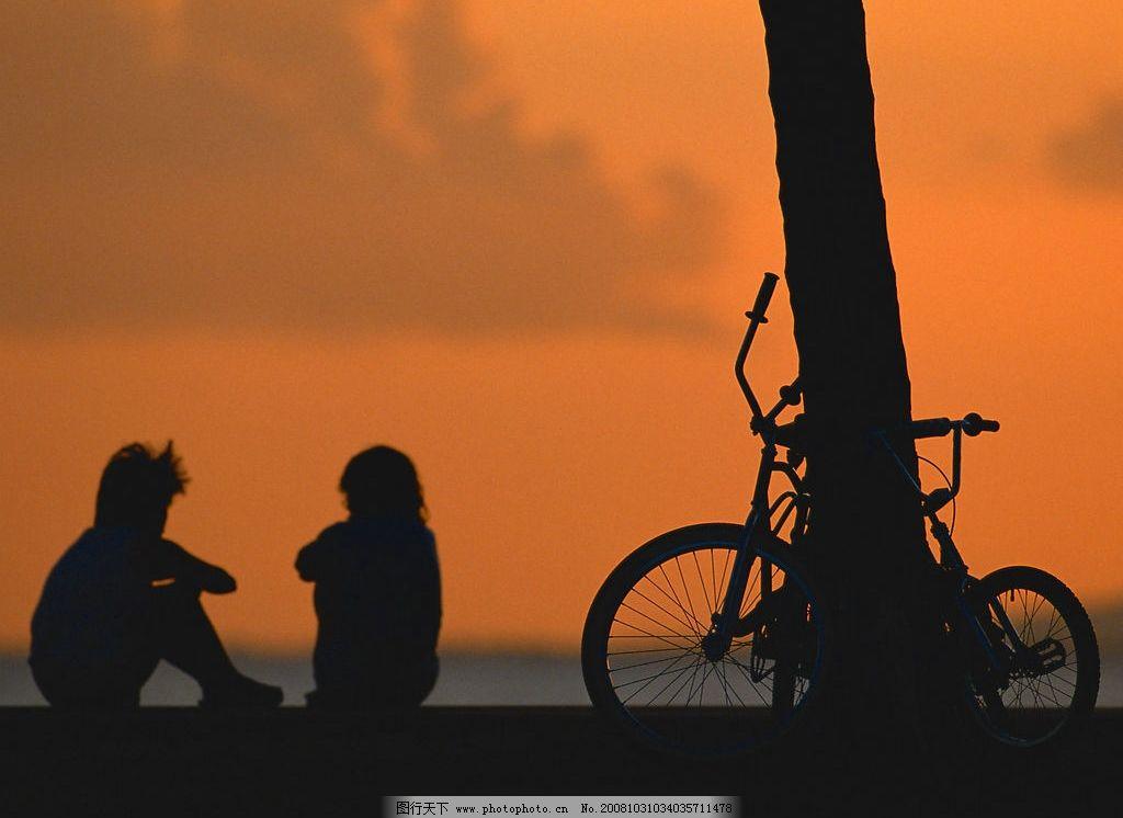 海边夕阳背影图片唯美-海边太阳图片唯美