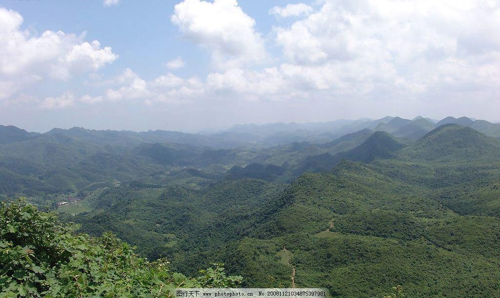 龙潭之项 石柱 龙潭风光 山峰 天空 白云 树木 自然景观 自然风景