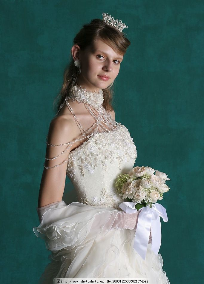婚纱照 珠宝 皇冠 鲜花 侧面 新娘子 人物图库 女性女人 摄影图库