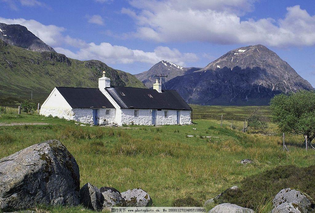自然风景 天空 山 草原 房屋 自然景观 摄影图库