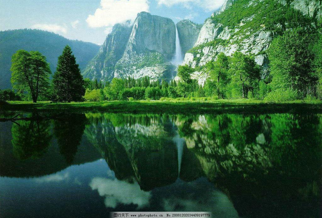 水天一色 蓝天 白云 青山 绿水 自然景观 山水风景 摄影图库 300dpi