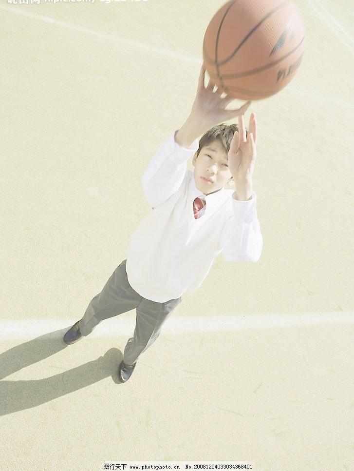 投篮 操场 活力 活泼 教室 可爱 课堂 篮球 投篮图片素材下载