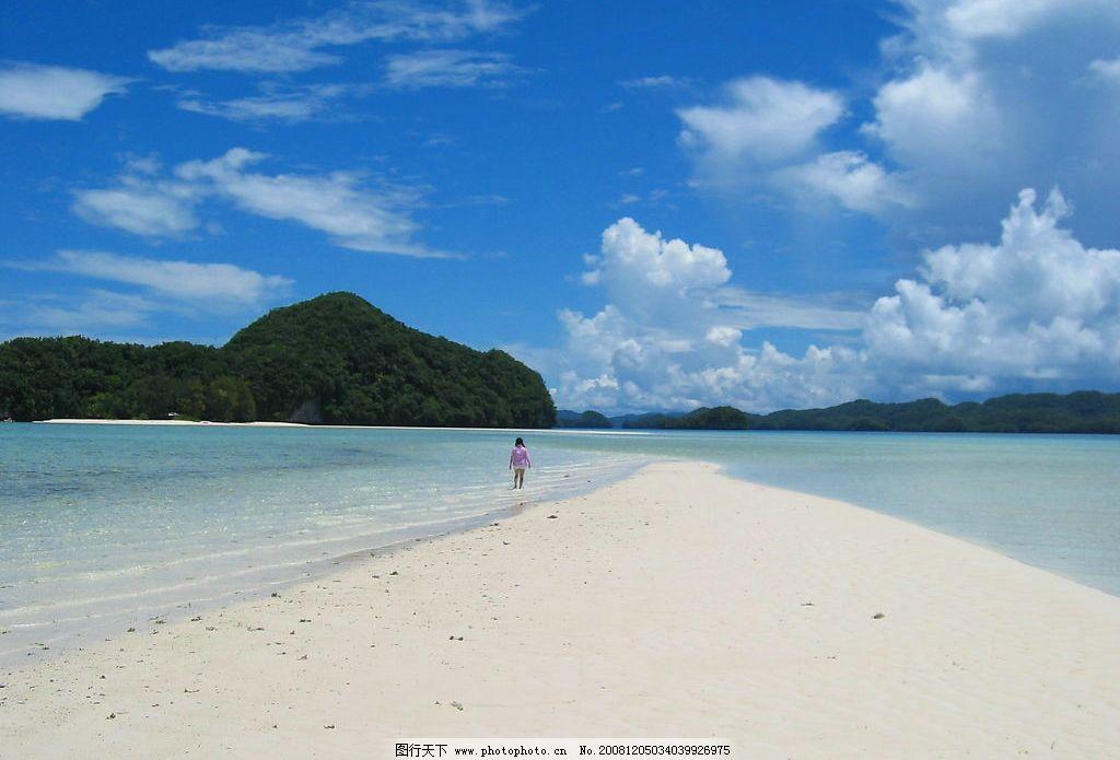海滩 海边 蓝天 白云 沙滩 白沙 儿童 远山 小岛 帛琉 旅游摄影 国外