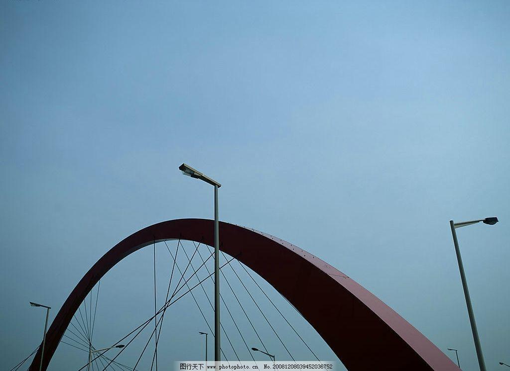 桥梁 路灯 蓝天 建筑园林 建筑摄影 摄影图库 350dpi jpg