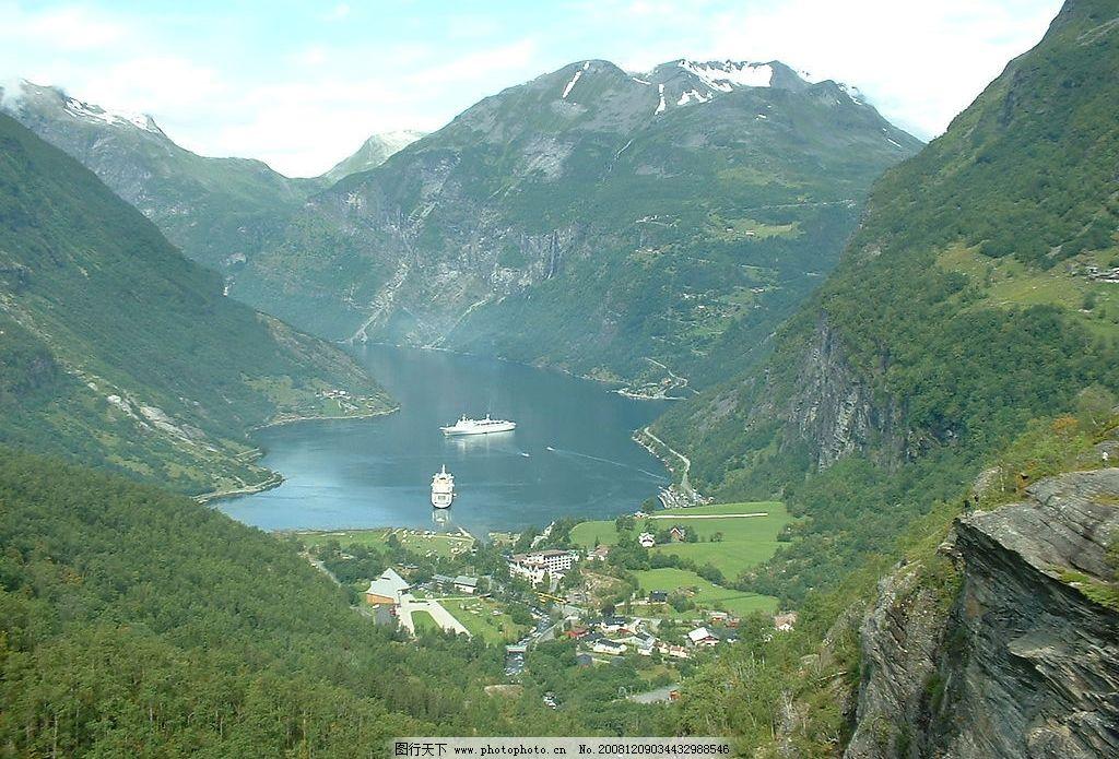 山水风景 山谷 河流 森林 建筑 船 自然景观 摄影图库 72dpi jpg