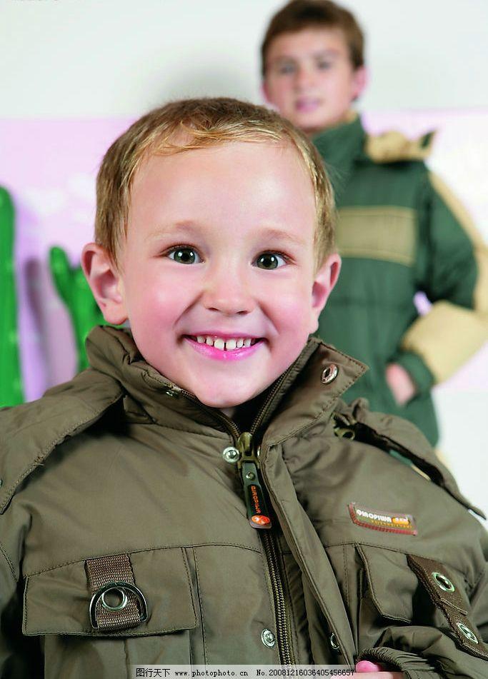 儿童服装 羽绒服 小男孩 外国小模特 新款童装 人物图库 儿童幼儿