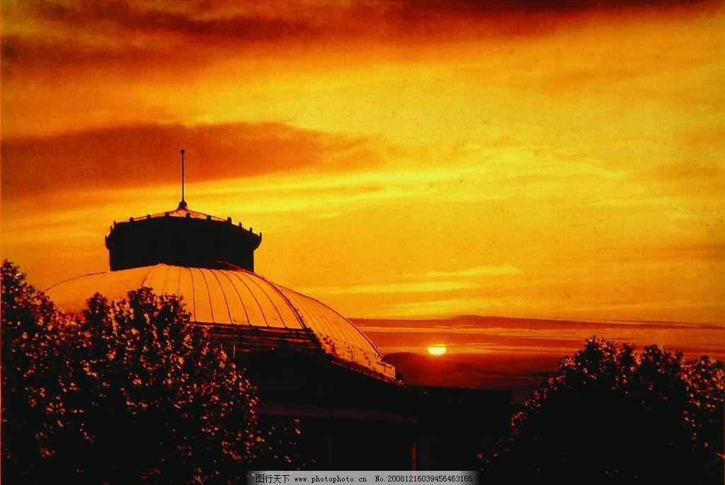 黄昏的东南大学礼堂图片