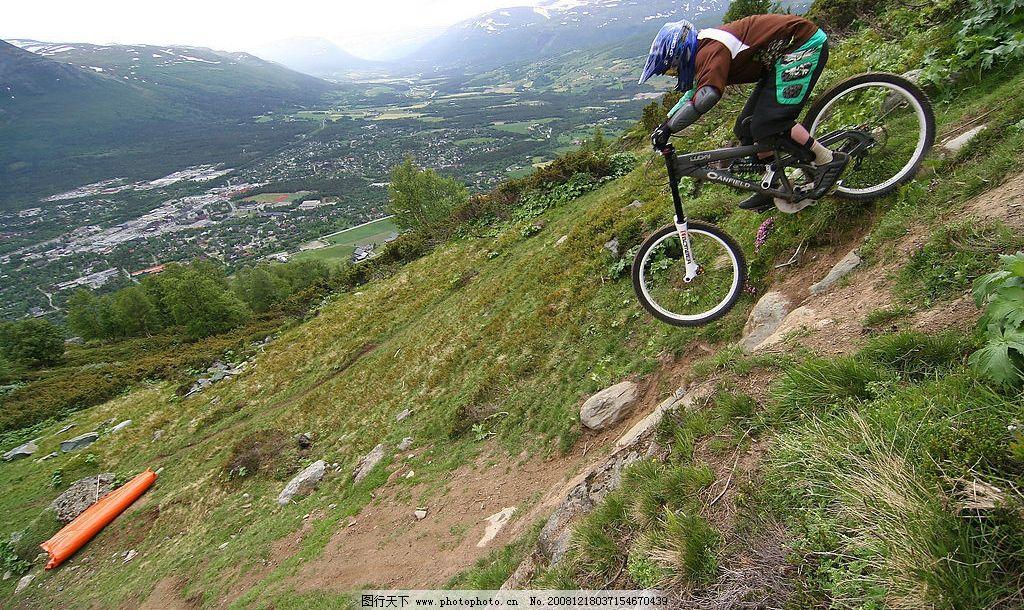 山地自行车 速降图片