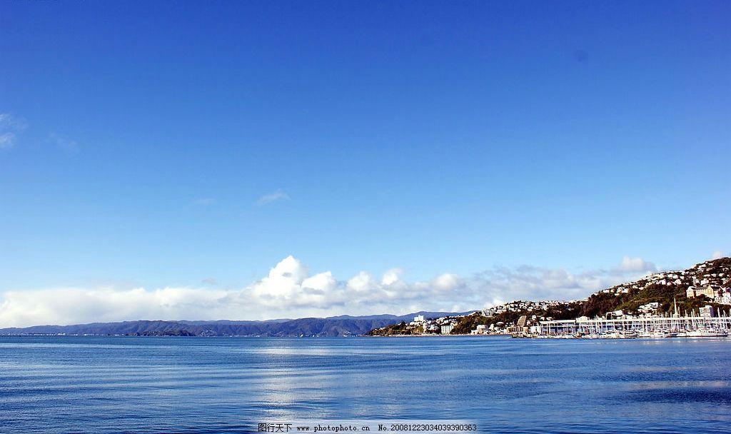 新西兰港湾 漂亮 风景 轮船 码头 蓝天 湖泊 山坡 建筑 旅游摄影