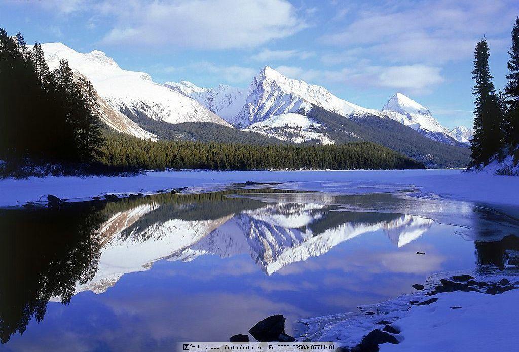 风景 雪山 湖水 倒影 摄影图库