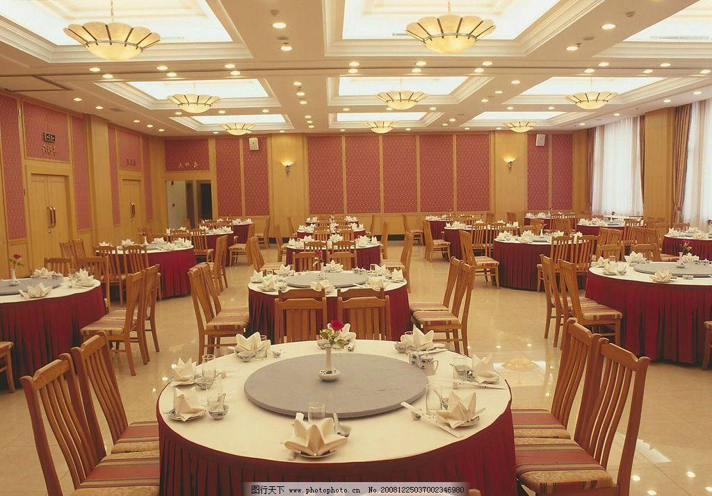 豪华餐厅 吊灯 大理石地板 餐桌 餐椅 生活百科 生活素材 摄影图库