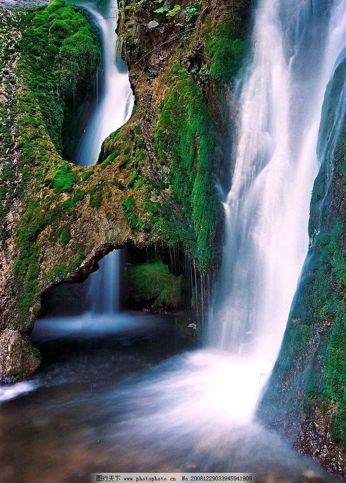壁纸 风景 旅游 瀑布 山水 桌面 681_951 竖版 竖屏 手机