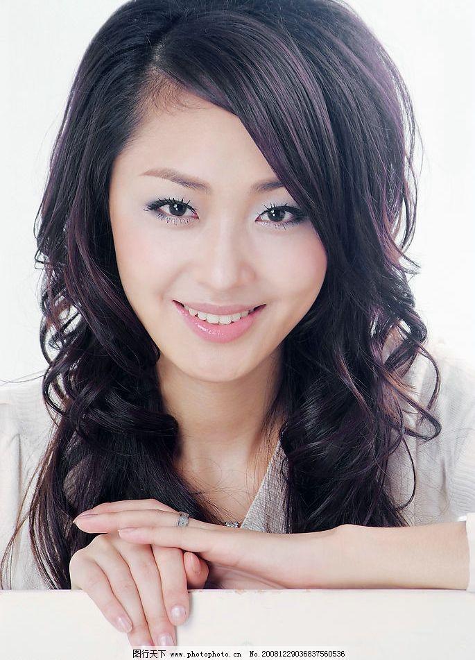 美女 长发美女 漂亮 发型 卷发 人物图库 女性女人 摄影图库 72dpi